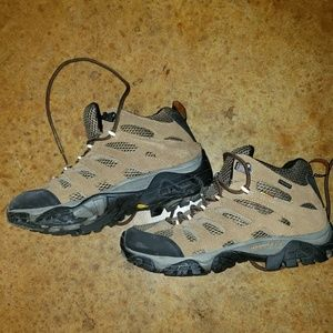 Woman's Merrell hiking boots